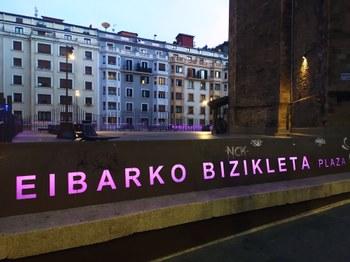 Eibarko Bizikleta Plaza.