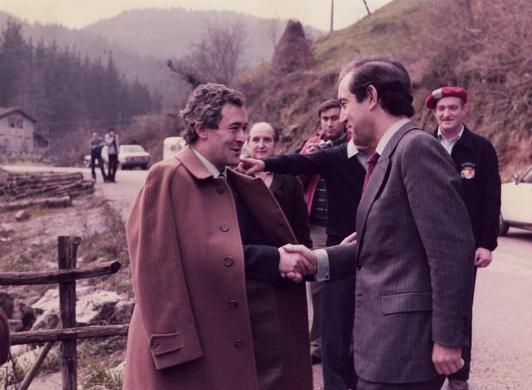 El Archivo Municipal de Eibar recuerda en su canal de Youtube la inauguración de la Presa de Aixola