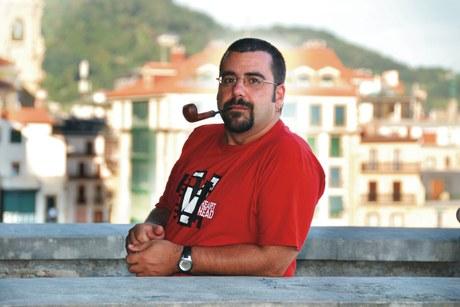 """Idazlearekin harixa emoten"": Xabier Etxaniz Rojo"