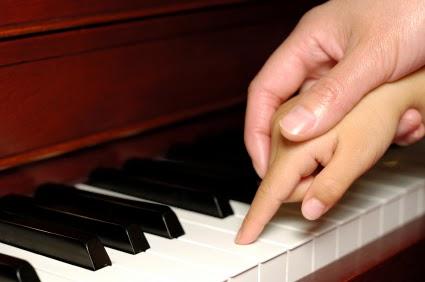 hand+piano