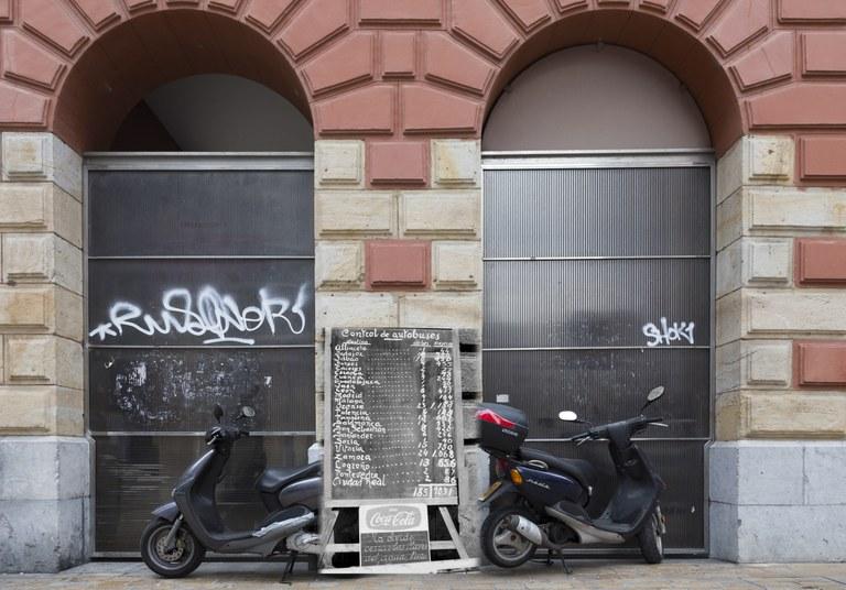 """""""Retrofotografiar Eibar"""". 350 fotos actuales y 350 fotos antiguas de Eibar unidas por el tiempo."""