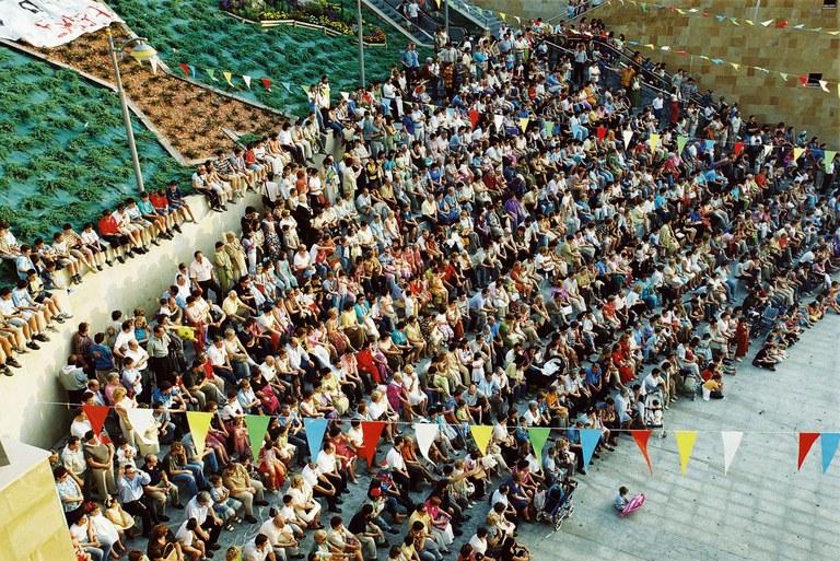 Eibar tiene 27.600 habitantes; 14.164 mujeres y 13.436 hombres. El pasado año, 2018, el número de habitantes era de 27.493.