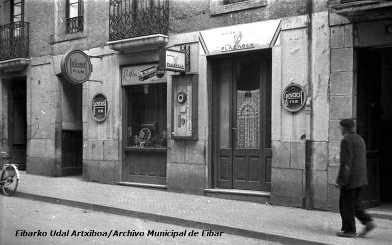 El Archivo municipal recibe el legado del fotógrafo Benigno Plazaola