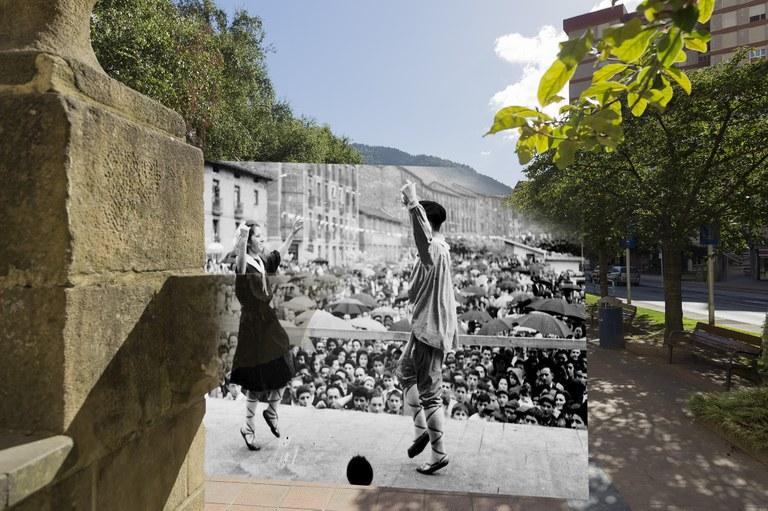 """El trabajo  """"Retrofotografiar Eibar"""" de Gorka Castrillo, que une el pasado con el presente, ya está terminado."""