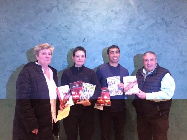 Ganadora y ganador del concurso de nanorelatos en euskera