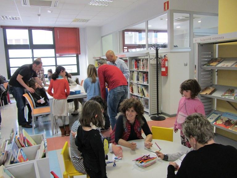Grupos del club de lectura Liburuen poltsa