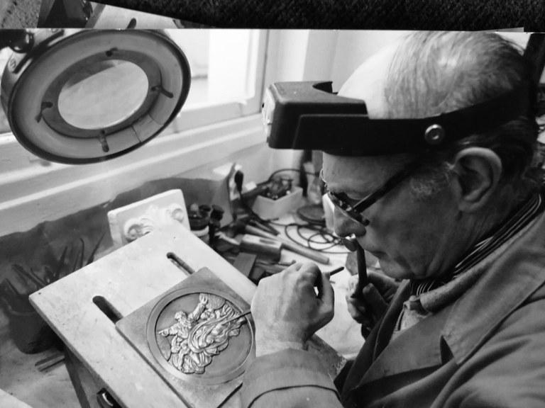 Jose Kareaga Guridi (1930-2008): exposición de parte de la obra del grabador, pintor, joyero y damasquinador eibarrés.