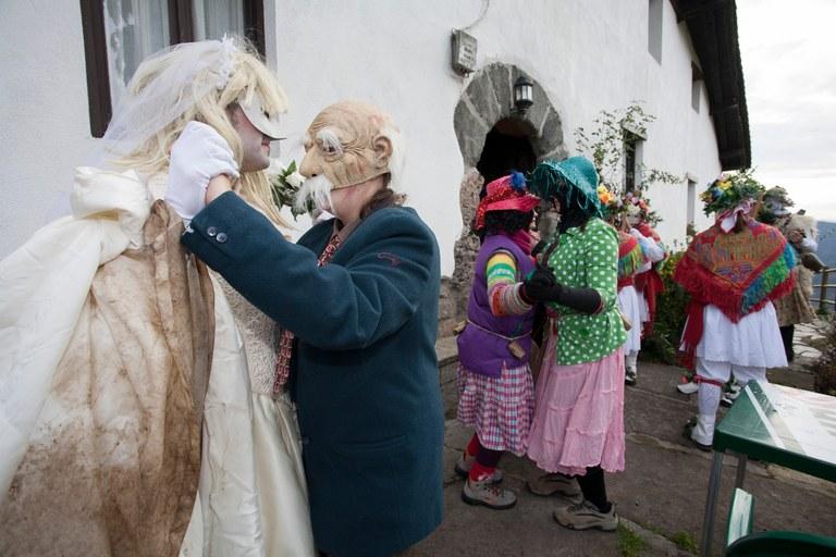 Koko-dantzak: las danzas de enmascarados de Kezka Dantza Taldea  cumplen 10 años
