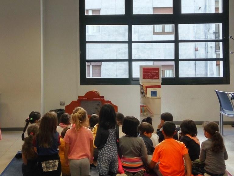 La Biblioteca municipal promueve varios programas de colaboración con los centros educativos de Eibar para favorecer la afición a la lectura