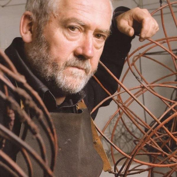La exposición del artista eibarrés Jose Zugasti Arizmendiarrieta se inaugurará el día 23 de septiembre en la Sala de Exposiciones de Portalea