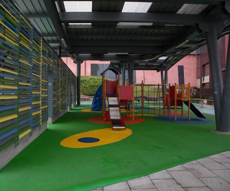 Amaña contará este año con dos parques de juegos infantiles en Tiburcio Anitua y en la plazoleta de Torrekua