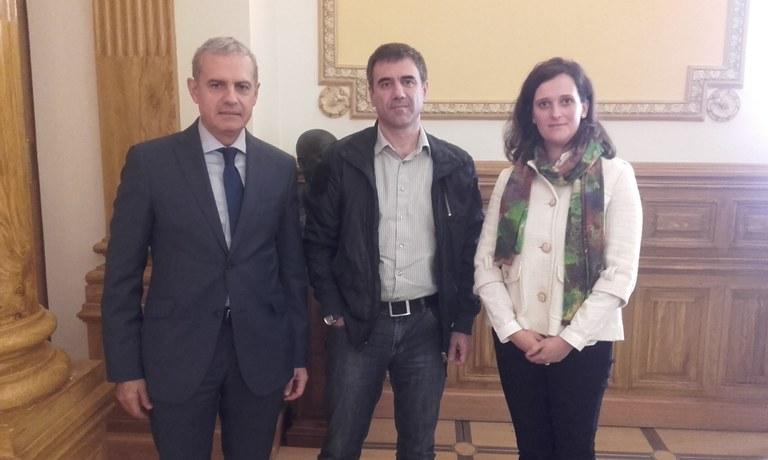 Departamento de Salud, Colegio de Farmaceúticos de Gipuzkoa y Ayuntamiento de Eibar trabajarán conjuntamente para mejorar el uso de medicamentos en usuarios/as del servicio de ayuda a domicilio