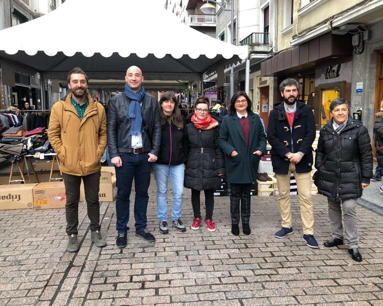 Eibar acoge una nueva edición de la Feria de Rebajas de invierno, con la participación de 21 establecimientos