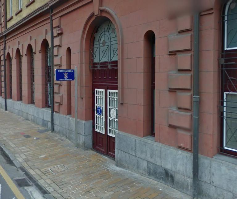 Eibar contar con un servicio de expedici n del dni y el for Oficina dni donostia