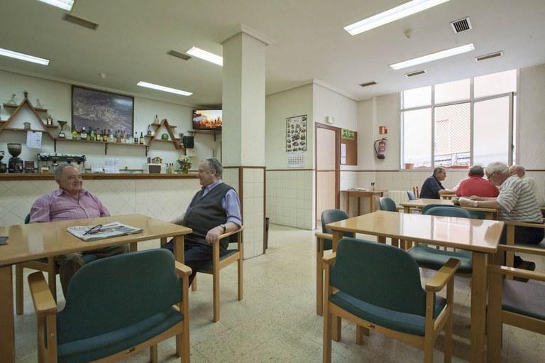 Eibar cuenta con un Plan de Intervención para las personas mayores frágiles, dependientes y sus cuidadores/as