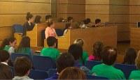 Eibar pone en marcha una nueva convocatoria de los programas 'Umeak eskolara' y 'Diru-laguntzak ikasleei' de ayuda a escolares y estudiantes para el curso 2017-2018