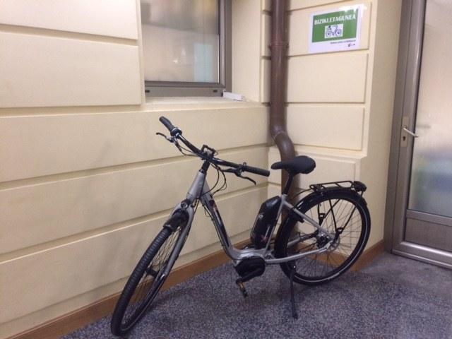El Ayuntamiento de Eibar apuesta por la movilidad sostenible con la adquisición de una bicicleta eléctrica