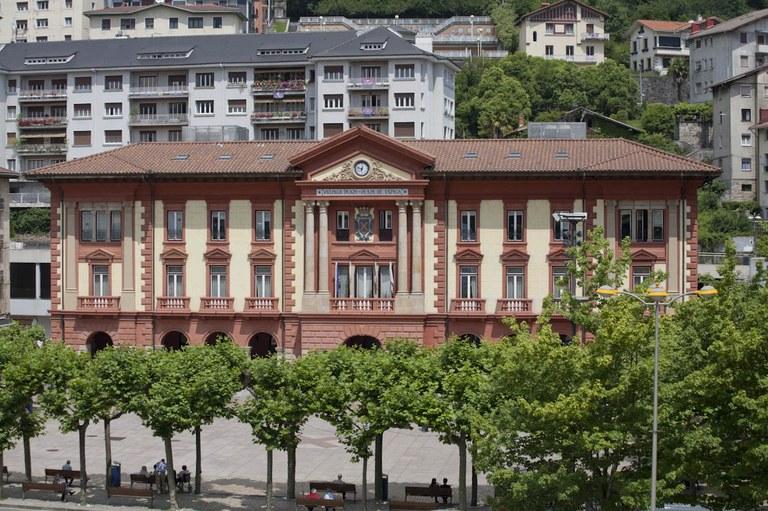 El Ayuntamiento de Eibar inicia el procedimiento para presentarse como acusación contra los crímenes del franquismo