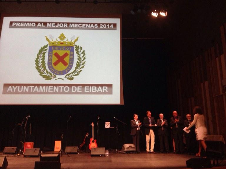 El Ayuntamiento recoge el  premio Mecenas de fotografía
