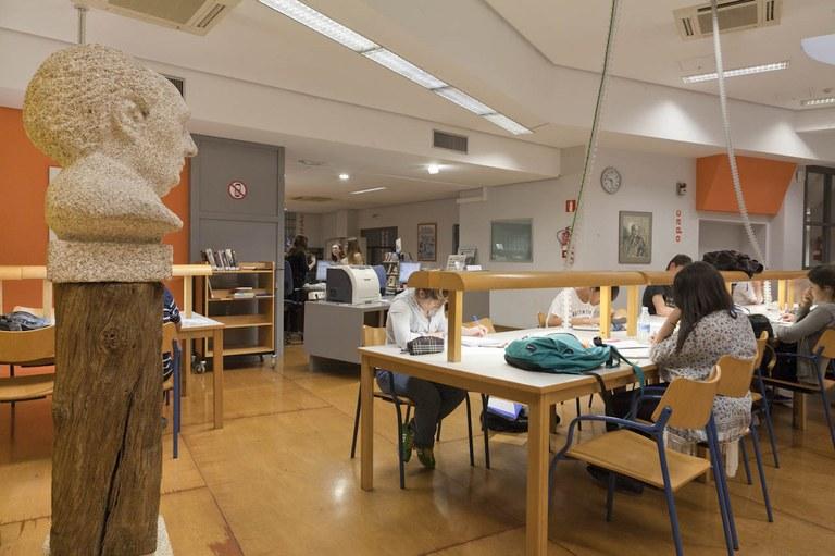 La biblioteca de Eibar se suma a un portal web que pone a disposición de la ciudadanía los recursos gratuitos que hay en Internet para aprender idiomas
