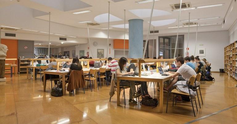 La Biblioteca Juan San Martín se convierte en uno de los puntos de encuentro preferidos por la ciudadanía