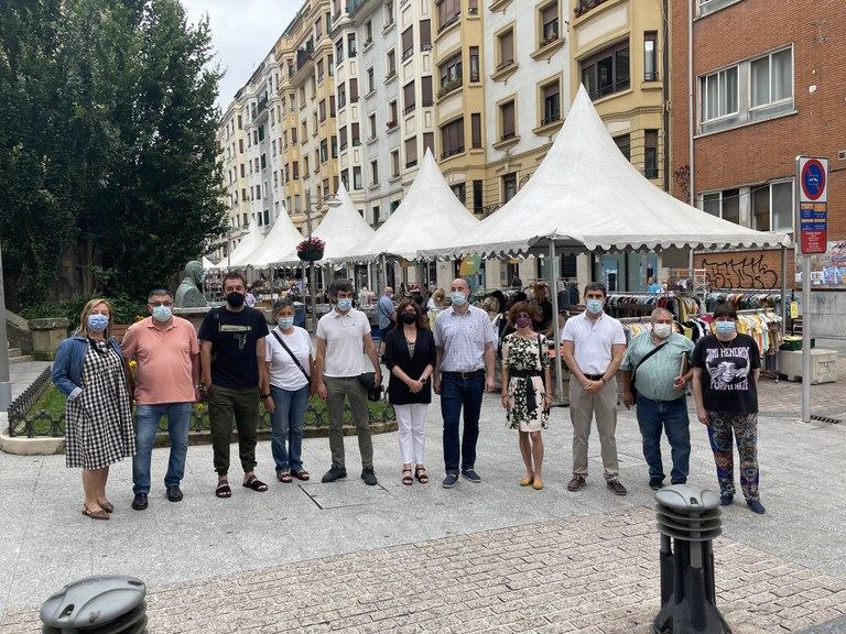 La Feria de Oportunidades de Verano vuelve a la calle Toribio Etxebarria esta semana.