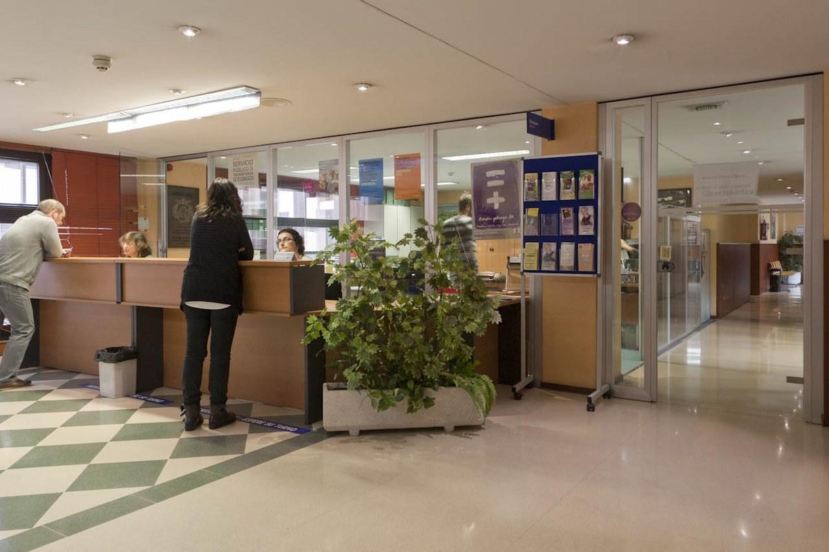 Las oficinas de servicios sociales de eibar ser n for Servicios de oficina
