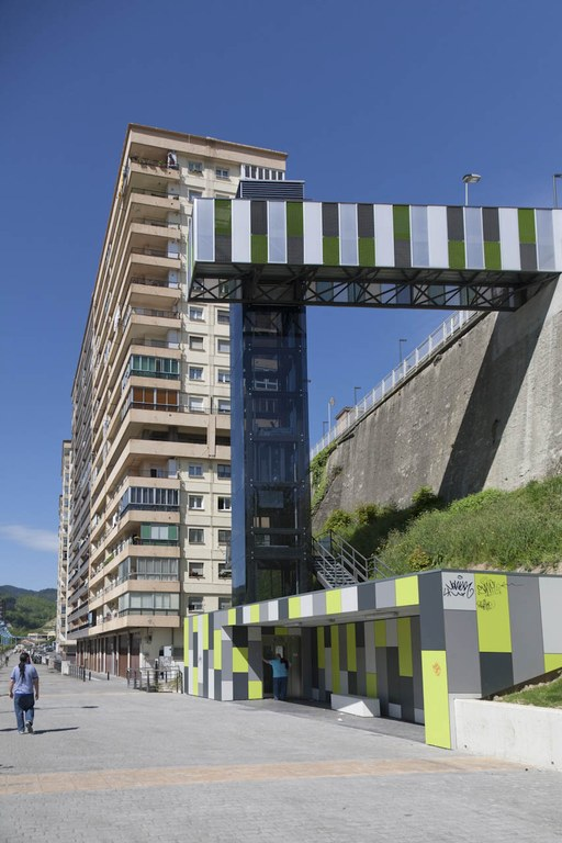Los ascensores públicos de Eibar han comenzado a funcionar las 24 horas del día