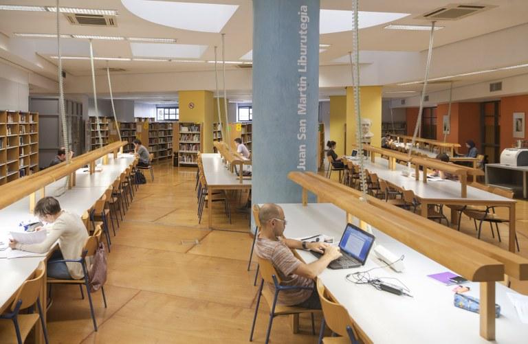 Los servicios que ofrece la Biblioteca Juan San Martín son del agrado de la ciudadanía