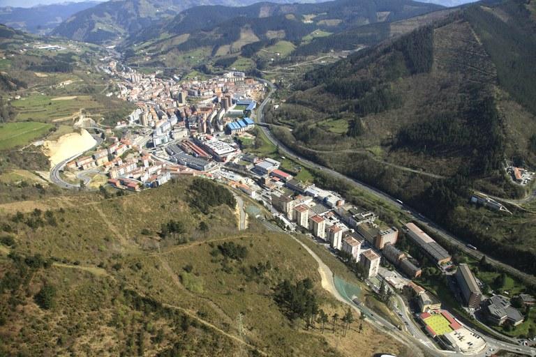 Numerosas actuaciones han permitido avanzar durante este mandato en la mejora de la accesibilidad y de los espacios libres en Eibar