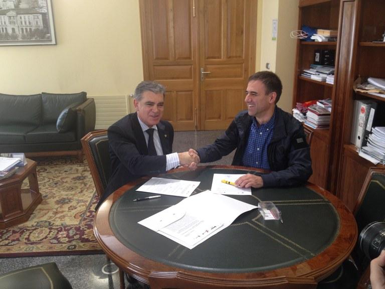 Visesa y el Ayuntamiento de Eibar firman un convenio para la regeneración del área de Txonta