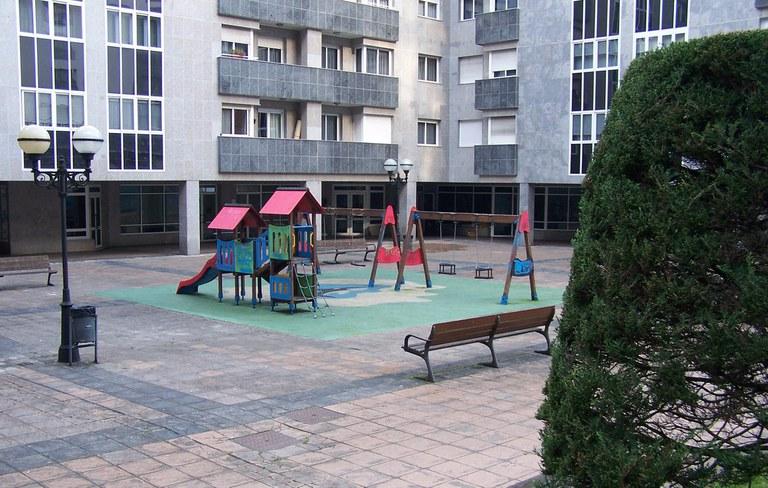 Arane plaza eraberritzeko obrak (1. eta 9. zenbakien artean) hasi dira