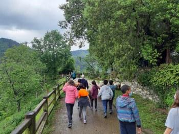 Eibarko 300 ikasle inguruk hartu dute parte 'Basarrixa Urretik' programan, landa-ingurunearen balioak hirira gerturatzeko.