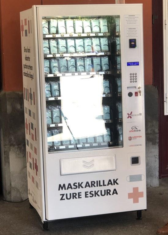 Maskarak doan banatzeko vending makina.