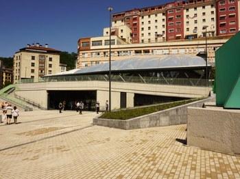 'Errebal Plazia' kultur ekipamenduaren eta funtzio anitzeko eraikinaren irudia.