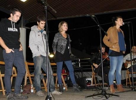 Bertso-saio musikatua @ Txaltza Zelain
