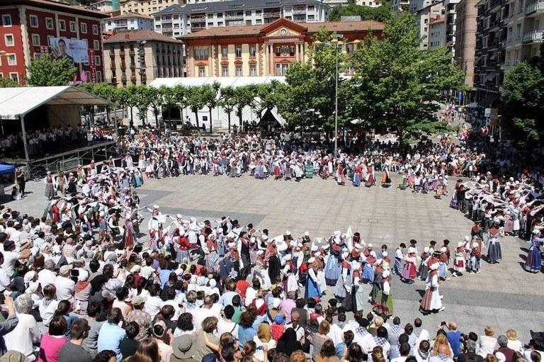 Ekitaldiz betetako 54. Euskal Jaia Eibarren maiatzaren 10etik 12ra