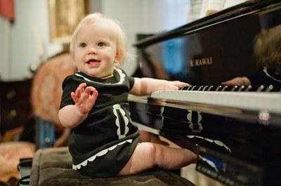 BABY+PIANO